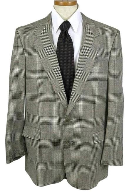 Preload https://item4.tradesy.com/images/austin-reed-black-white-mens-plaid-houndstooth-2-button-sportscoat-blazer-size-14-l-24009133-0-1.jpg?width=400&height=650