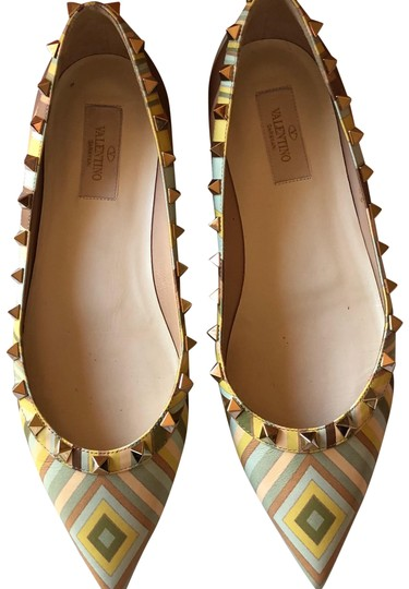 Preload https://img-static.tradesy.com/item/24009256/valentino-multi-color-flats-size-eu-39-approx-us-9-regular-m-b-0-2-540-540.jpg