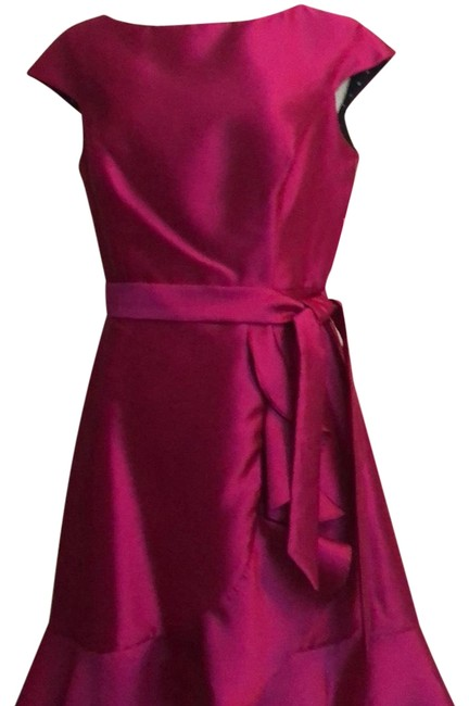 Preload https://img-static.tradesy.com/item/24009265/isaac-mizrahi-magenta-1743-short-cocktail-dress-size-8-m-0-1-650-650.jpg