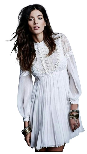 Preload https://item4.tradesy.com/images/free-people-white-peasant-short-casual-dress-size-0-xs-24009298-0-1.jpg?width=400&height=650