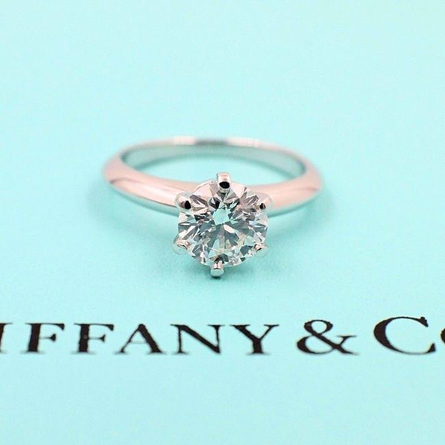 Tiffany & Co. I Vs2 Platinum and Diamond Solitaire Round 1.09 Cts Engagement Ring Tiffany & Co. I Vs2 Platinum and Diamond Solitaire Round 1.09 Cts Engagement Ring Image 1