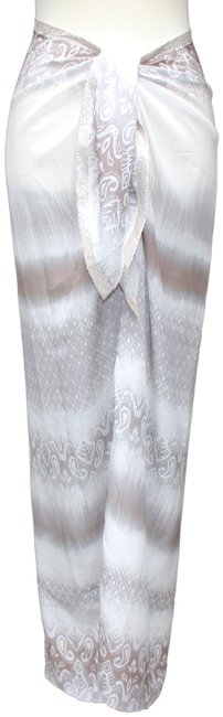 Preload https://item4.tradesy.com/images/beige-and-gray-cover-upsarong-size-8-m-24009443-0-1.jpg?width=400&height=650