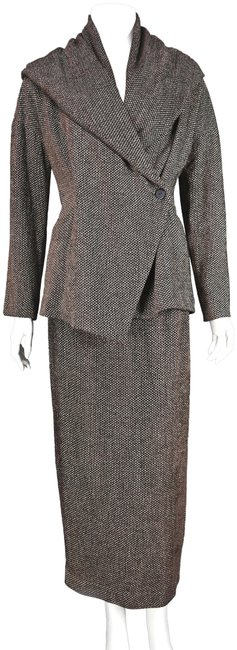 Preload https://item2.tradesy.com/images/krizia-brown-shawl-collar-chenille-skirt-suit-size-4-s-24009496-0-1.jpg?width=400&height=650