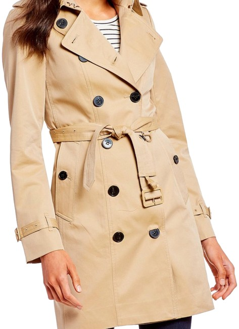 Preload https://item2.tradesy.com/images/camel-classic-trench-coat-size-2-xs-24009521-0-1.jpg?width=400&height=650
