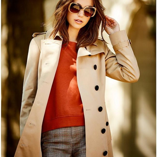 A Loves A Trench Coat