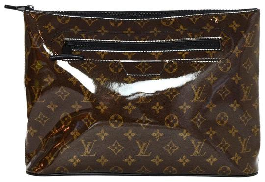 Preload https://item3.tradesy.com/images/louis-vuitton-pochette-monogram-glaze-cosmos-brown-coated-canvas-weekendtravel-bag-24009522-0-1.jpg?width=440&height=440