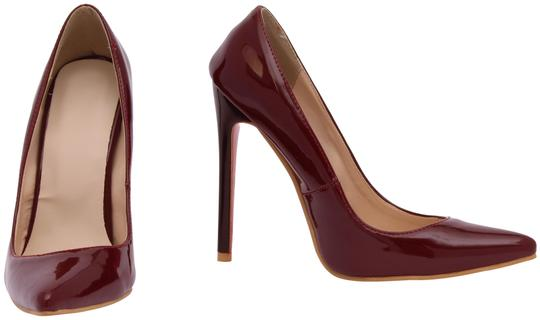Preload https://item3.tradesy.com/images/maroon-burgundy-wine-womens-pointy-closed-toe-stileto-heels-pumps-size-eu-36-approx-us-6-regular-m-b-24009567-0-1.jpg?width=440&height=440