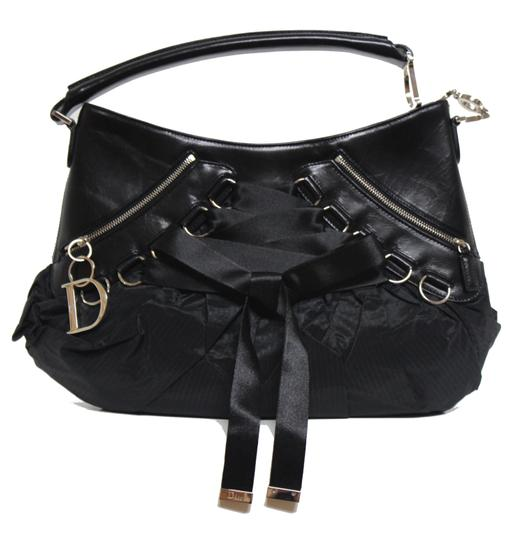 Preload https://img-static.tradesy.com/item/24009607/dior-christian-saddle-rare-black-nylonleather-shoulder-bag-0-0-540-540.jpg
