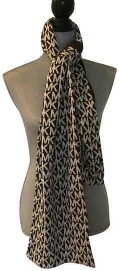 Preload https://item5.tradesy.com/images/michael-kors-brown-and-white-scarfwrap-24009644-0-1.jpg?width=440&height=440