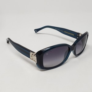 ec6a5e1f7ea Louis Vuitton Navy acetate Louis Vuitton Soupçon GM sunglasses