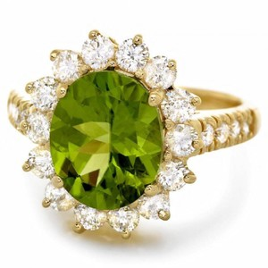 Other 5.15 Carats Natural Peridot and Diamond 14K Solid Yellow Gold Ring