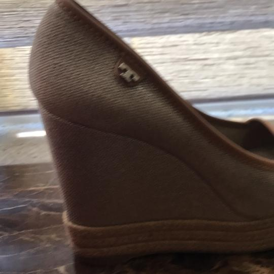 Tory Burch tan Wedges Image 4
