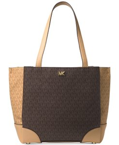 f42596658cc994 Michael Kors on Sale - Up to 80% off at Tradesy