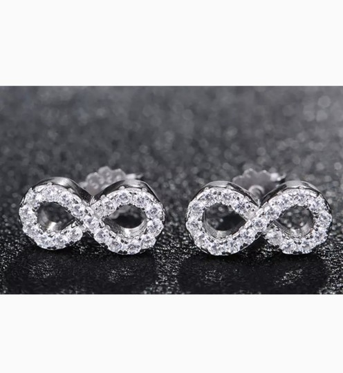 Xquisite by DESYGN INFINITY STUD EARRINGS Image 1