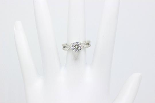 Hearts on Fire H Si1 Twist Round Brilliant Diamond Solitaire Band 1.23 Tcw Engagement Ring Image 2