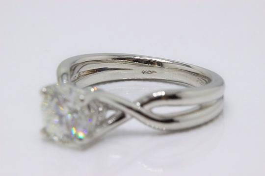Hearts on Fire H Si1 Twist Round Brilliant Diamond Solitaire Band 1.23 Tcw Engagement Ring Image 3