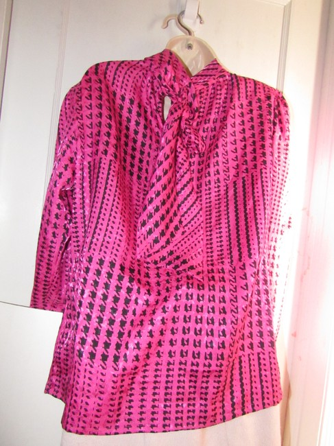Custom Shop Mint Vintage Top pink and black hounds-tooth print silky polyester with tie neck Image 2