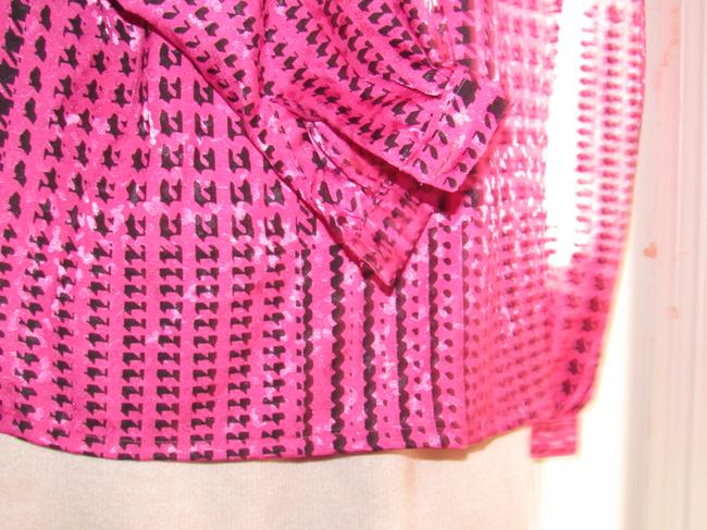 Custom Shop Mint Vintage Top pink and black hounds-tooth print silky polyester with tie neck Image 3