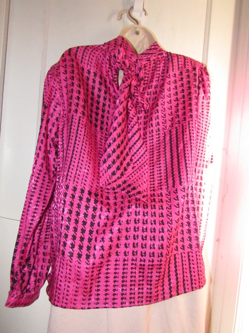 Custom Shop Mint Vintage Top pink and black hounds-tooth print silky polyester with tie neck Image 6