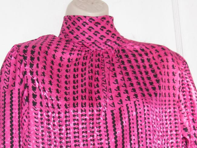 Custom Shop Mint Vintage Top pink and black hounds-tooth print silky polyester with tie neck Image 7