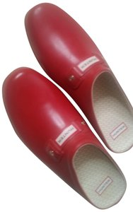 Hunter Rubber Red Mules