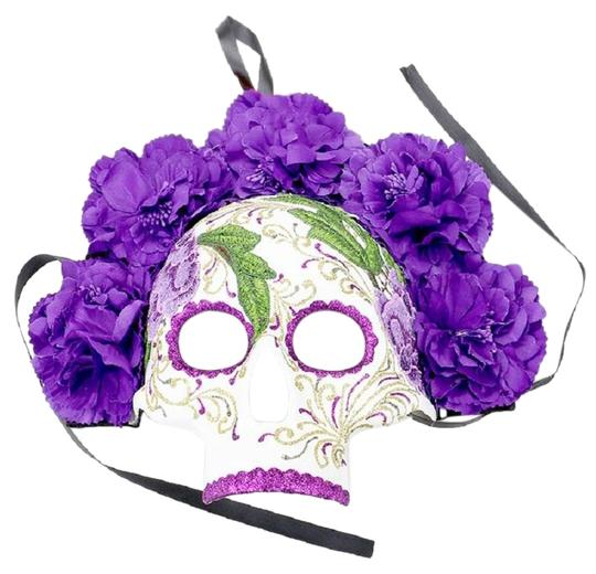 Preload https://img-static.tradesy.com/item/24015387/purple-floral-detail-halloween-venetian-masquerade-mask-0-1-540-540.jpg