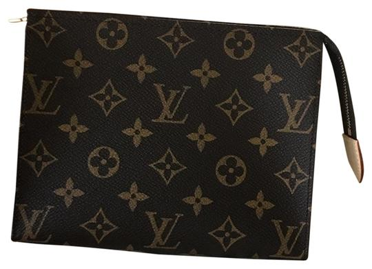 Preload https://img-static.tradesy.com/item/24015448/louis-vuitton-leather-toiletry-19-cosmetic-bag-0-1-540-540.jpg