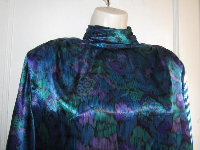 Notations Mint Vintage Gathered Mock Tneck Top teal green, purple, and black peacock print silky polyester