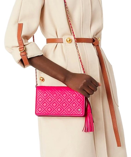 Preload https://img-static.tradesy.com/item/24015839/tory-burch-fleming-new-quilted-purse-pink-leather-cross-body-bag-0-1-540-540.jpg