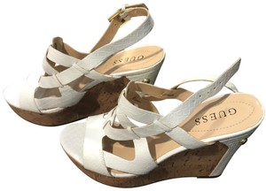 b71a749aaab Women s White Guess Shoes - Up to 90% off at Tradesy