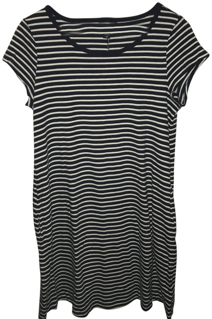 Preload https://img-static.tradesy.com/item/24015966/gap-navy-and-white-stripe-mid-length-short-casual-dress-size-6-s-0-1-650-650.jpg