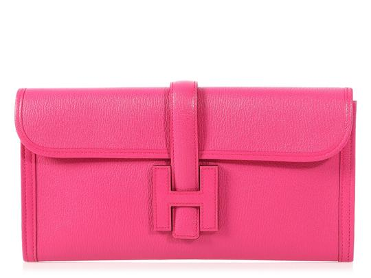 Preload https://img-static.tradesy.com/item/24016181/hermes-jige-29-chevre-rose-shocking-pink-goat-skin-leather-clutch-0-0-540-540.jpg