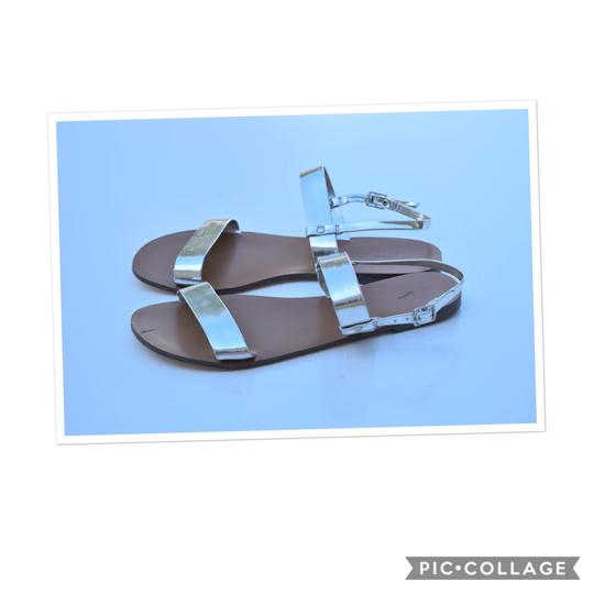Preload https://img-static.tradesy.com/item/24016182/jcrew-silver-metallic-gladiator-sandals-size-us-9-regular-m-b-0-0-540-540.jpg