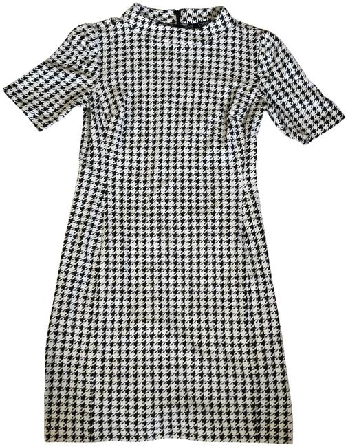 Preload https://img-static.tradesy.com/item/24016200/chaps-houndstooth-black-white-mock-neck-short-workoffice-dress-size-6-s-0-1-650-650.jpg