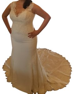 Pronovias Modern Wedding Weddingdress Plus-size Dress