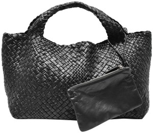 Falor Tote in black