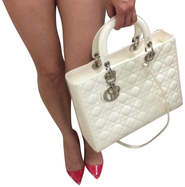 Item - Lady Cannage Quilted Two Way Cream Patent Leather Tote