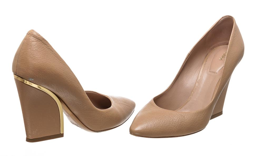 34f166c4227 Chloé Nude Leather Golden-heeled Wedge 485397 Pumps Size EU 37.5 ...