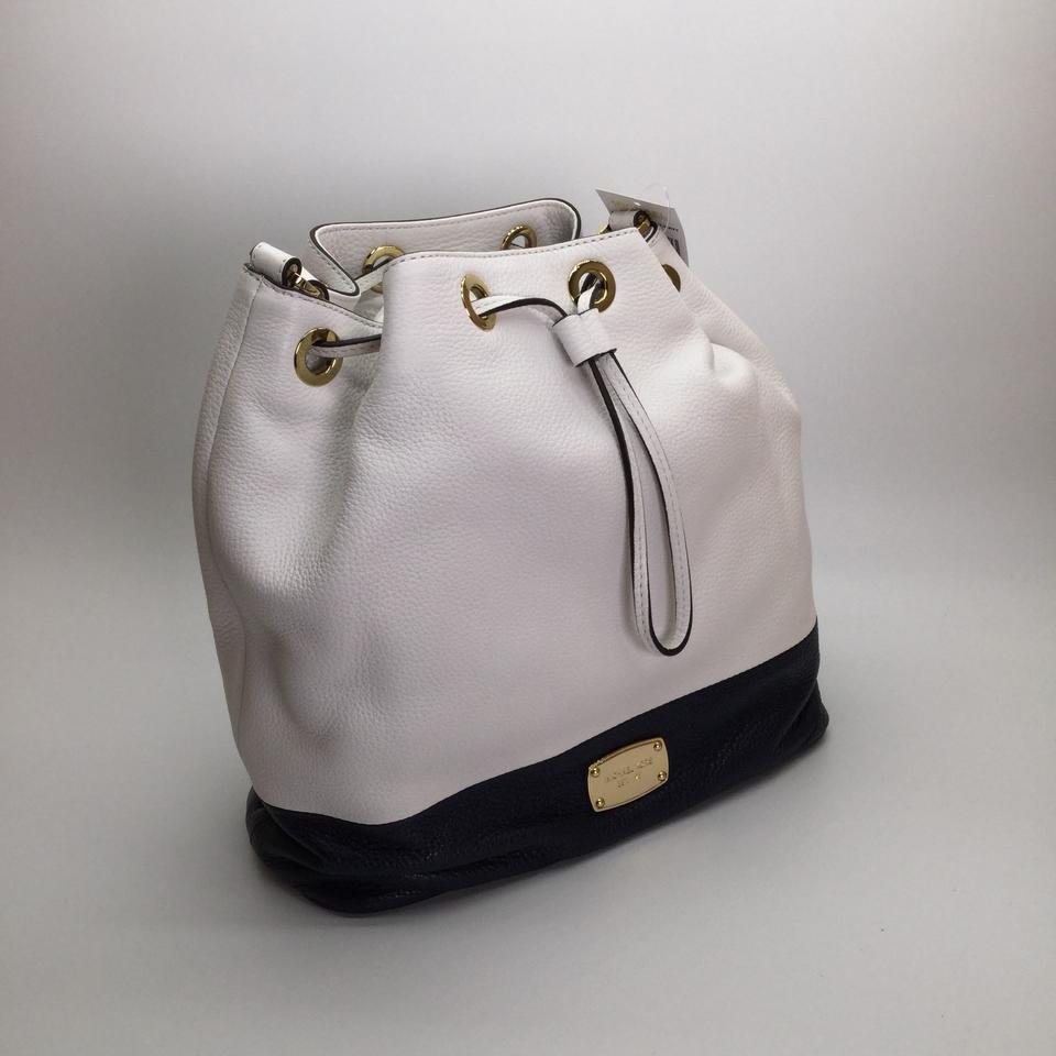b1b5db7cdd6d Michael Kors Large Jules Convertible Drawstring White   Navy Leather  Shoulder Bag - Tradesy