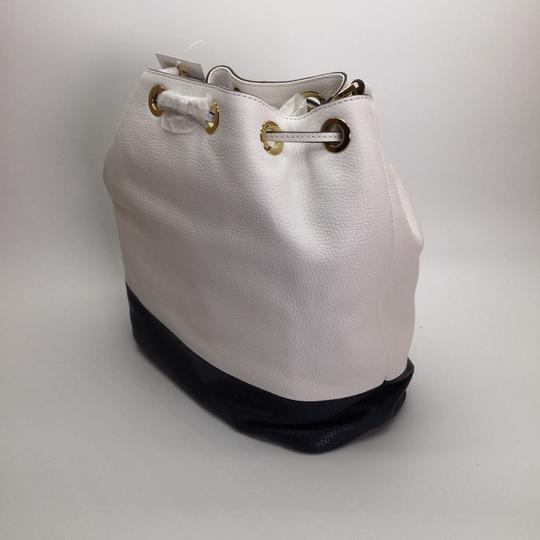 738e59e662a1 Michael Kors Large Jules Convertible Drawstring White   Navy Leather ...