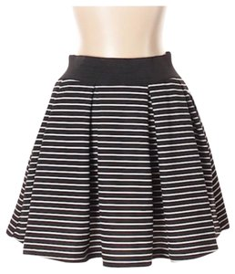 Romeo & Juliet Couture Mini Skirt black white