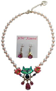 Betsey Johnson Betsey Johnson Kitty Necklace and Earrings