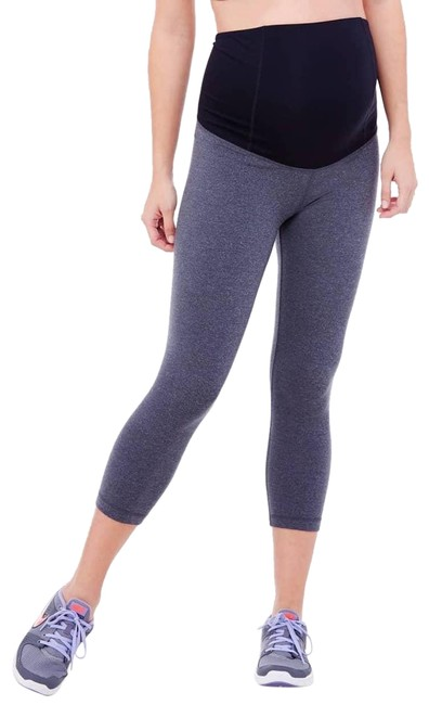 Preload https://img-static.tradesy.com/item/24019466/ingrid-and-isabel-heather-grey-active-capri-pants-with-crossover-panel-maternity-activewear-size-12-0-1-650-650.jpg