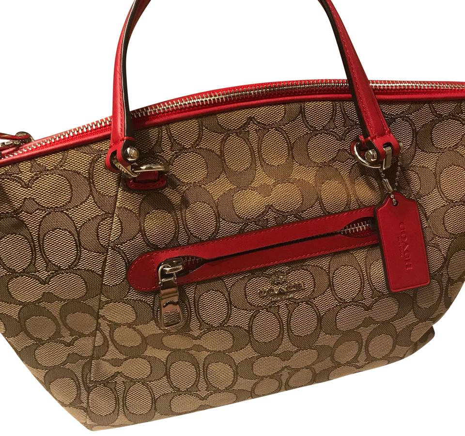 be8a5729644 Coach Small Purse A Detachable Shoulder Strap Beige with Red Accent ...