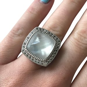 Elle ELLE Sterling Silver Ring with Mother if Pearl Size 7