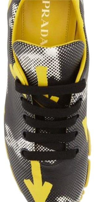 Item - Yellow & Black Sneakers-black-yellow-arrow -giallo Sneakers Size US 8 Regular (M, B)