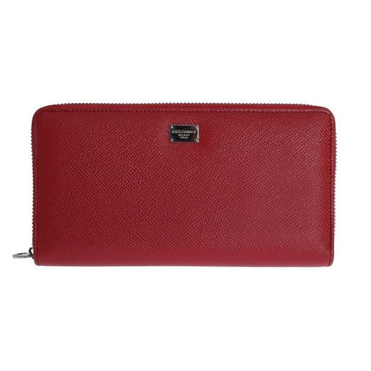 Preload https://img-static.tradesy.com/item/24020588/dolce-and-gabbana-red-silver-d50155-women-s-leather-dauphine-continental-wallet-0-0-540-540.jpg