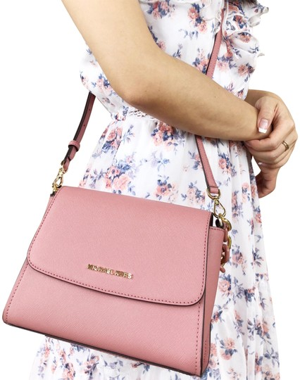 Preload https://img-static.tradesy.com/item/24020758/michael-kors-small-sofia-portia-east-west-satchel-rose-pink-leather-cross-body-bag-0-3-540-540.jpg