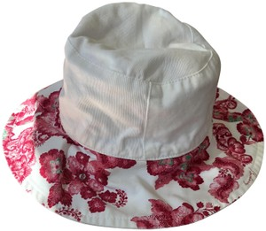 Burberry Burberry Bucket Red and White Hat