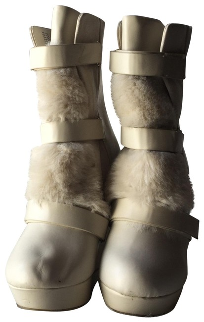 Item - Cream White Amica Faux Fur Wedge Boots/Booties Size US 8 Regular (M, B)